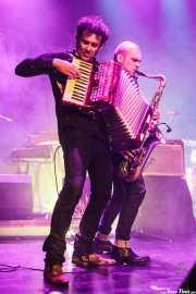 """Quino Lucas -acordeón y teclado- y """"Big Dani"""" Pérez -saxo- de Los Rebeldes (Torrezabal Kultur Etxea, Galdakao, 2016)"""