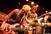 George Alexander -bajo-, Cyril Jordan -guitarra y voz- y Chris Wilson -guitarra y voz- de The Flamin' Groovies (Intxaurrondo K.E., Donostia / San Sebastián, 2016)