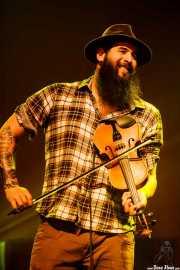 Goiatz Dutto, violinista y cantante de Moonshine Wagon (Social Antzokia, Basauri, 2016)