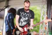 "Jorge Gascón -voz y guitarra- y Alberto Iglesias ""Hal"" -guitarra- de Grand Matter (Plaza Solobarria, Basauri, 2016)"