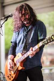 "Alberto Iglesias ""Hal"", guitarrista de Grand Matter (Plaza Solobarria, Basauri, 2016)"