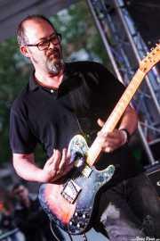 Juanjo Arias, guitarrista de Sonic Trash (Plaza Solobarria, Basauri, 2016)