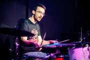 Ádám Péter, baterista de The Silver Shine (Kafe Antzokia, Bilbao, 2016)