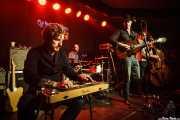 Grant Siemens -guitarra y lap steel guitar-, Corb Lund -voz y guitarra-, Kurt Cielsa -bajo y contrabajo- y baterista de Corb Lund and the Hurtin' Albertans (Kafe Antzokia, Bilbao, 2016)