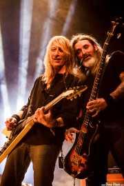 Rick Wartell -guitarra- y Rob Hultz -bajo- de Trouble (Santana 27, Bilbao, 2016)