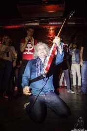 Xabi Garre, guitarrista y cantante de Pow Pow Pows (Phantom Club, Madrid, 2016)