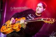 """Alfredo Niharra """"Lee Perk"""", cantante y guitarrista de Lee Perk Trio (Kafe Antzokia, Bilbao, 2016)"""
