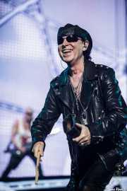 Klaus Meine -voz- y Rudolf Schenker -guitarra- de Scorpions (Bilbao Arena, Bilbao, 2016)