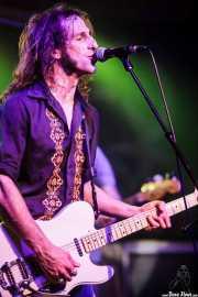 Joseba B. Lenoir, guitarrista y cantante de Joseba B. Lenoir Gang (Kafe Antzokia, Bilbao, 2016)