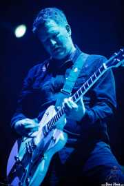 Phil Cunningham, guitarrista de New Order (Bilbao BBK Live, Bilbao, 2016)