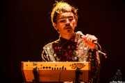 Julián Mayorga, cantante, guitarrista y sintetizador de Hola A Todo El Mundo (Bilbao BBK Live, Bilbao, 2016)