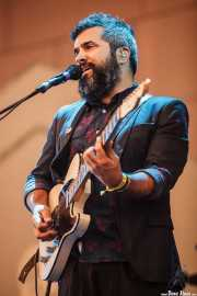 Julián Saldarriaga, guitarrista de Love Of Lesbian (Bilbao BBK Live, Bilbao, 2016)