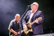 Black Francis -voz y guitarra- y Joey Santiago -guitarra- de Pixies (Bilbao BBK Live, Bilbao, 2016)