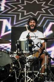 Roberto Villar, baterista de Yellow Big Machine (Bilbao BBK Live, Bilbao, 2016)