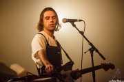Gabriel Winterfield, cantante, guitarrista de Jagwar MA (Bilbao BBK Live, Bilbao, 2016)