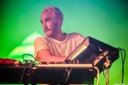 Jono Ma, teclista de Jagwar MA (Bilbao BBK Live, Bilbao, 2016)