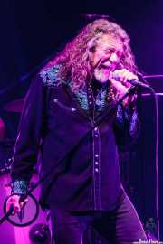 Robert Plant -voz- y Dave Smith -batería- de Robert Plant & The Sensational Space Shifters (Bilbao Arena, Bilbao, 2016)