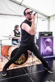 David -batería- y Jon Ander -voz- de Tiparrakers (SaniRock 16, Bilbao, 2016)