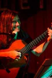 Sacri Delfino, guitarrista de Malevaje (Satélite T, Bilbao, 2016)