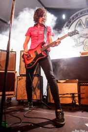 Koldo Soret, guitarrista y cantante de Niña Coyote eta Chico Tornado (Aste Nagusia - Algara Txosna, Bilbao, 2016)