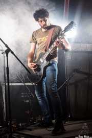 Eneko Goikoetxea, guitarrista de Naizroxa (Aste Nagusia - Txosna Komantxe, Bilbao, 2016)