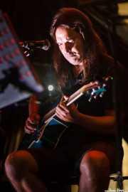 Manolo Vilabrille, guitarrista y cantante de Txalainak (Tributo acústico a Hertzainak) (Aste Nagusia - Kulturgunea, Bilbao, 2016)