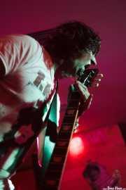 Juan Holmes, cantante y guitarrista de Discípulos de Dionisos (Satélite T, Bilbao, 2016)