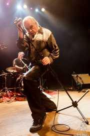 Mike Coffey -batería- y Cavan Grogan -voz- de Crazy Cavan & The Rhythm Rockers (Kafe Antzokia, Bilbao, 2016)