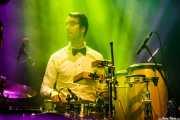 Daniel Olano, baterista y percusionista de Ghost Number & His Tipsy Gypsies (Kafe Antzokia, Bilbao, 2016)