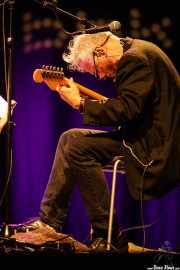 Marc Ribot, cantante y guitarrista de Marc Ribot's Ceramic Dog (Sala BBK, Bilbao, 2016)