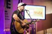 Esteban Ruiz Sánchez, cantante y guitarrista de I Am Dive (en solitario) (BIME festival, Barakaldo, 2016)