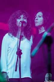 Charo Borreguero e Inés Mori, cantantes coristas de Nacho Vegas (Coro Al altu la lleva) (BIME festival, Barakaldo, 2016)