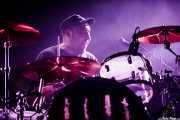 """Carlos Buira """"Boliche"""", baterista de La Banda Trapera del Río (Santana 27, Bilbao, 2016)"""