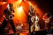 """Tupeloko -saxofón y armónica-, Rober Gurt del Rio -batería-, Karlos López -voz y contrabajo- y Iago """"Pezu"""" -voz y guitarra- de Screamers & Sinners (Kafe Antzokia, Bilbao, 2016)"""