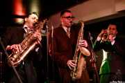 Roberto Dibitonto -saxo-, Luigi Napolitano -saxo- y Cosimo Pignataro -trompeta- de Sugar Daddy & The Cereal Killers (Purple Weekend Festival, León, 2016)