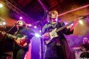 Tony Malacara -bajo y voz-, Julian Ducatenzeiler -voz y guitarra- y Cameron Gartung -batería- de Mystic Braves (Purple Weekend Festival, León, 2016)
