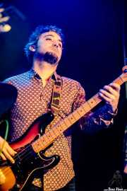 Paco Cerezo, bajista de Swamp Dogg (Kafe Antzokia, Bilbao, 2017)