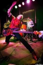 Ken Fox, bajista y cantante de The Fleshtones (Kafe Antzokia, Bilbao, 2017)