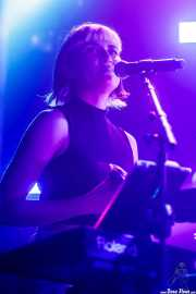 Erika Footman, teclista y cantante en gira de Skunk Anansie (Zentral, Iruña / Pamplona, 2017)