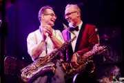 Doc Puky -saxofón- y Tom Schlomi Pospiech -saxofón- de Ray Collins' Hot Club (Kafe Antzokia, Bilbao, 2017)