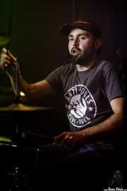 Charly Roblecillo, baterista de Turbofuckers (Kafe Antzokia, Bilbao, 2017)