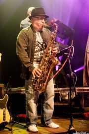 Txus Morejón, saxofonista invitado de The Associados (Kafe Antzokia, Bilbao, 2017)