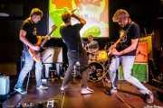 Alex Ariznabarreta -bajo-, David Peñalba -batería-, Beñat Narbaiza -voz- y Kepa Arakistain -guitarra- de Norman (Hika Ateneo, Bilbao, 2017)