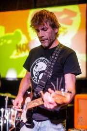 Kepa Arakistain, guitarrista de Norman (Hika Ateneo, Bilbao, 2017)