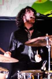 Johnny Psycho, baterista de Los Infartos (Hika Ateneo, Bilbao, 2017)