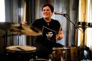 "Maria ""Grizzly"", baterista de Greasy & Grizzly (, , 2017)"