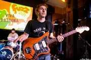 Rafa Bataglia -batería- y Asier Maiah -guitarra- de Viva Bazooka (Hika Ateneo, Bilbao, 2017)