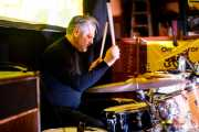 Carl Combover, baterista de The Shook-Ups (Hika Ateneo, Bilbao, 2017)