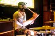 K.Colin Strømme, baterista de The Scumbugs (Hika Ateneo, Bilbao, 2017)
