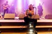 """Guillermo Santibáñez """"Will"""" -guitarra y voz-, Iñigo Elexpuru -batería-, Xandra de la Vega -cantante y xilofón- y Víctor Martín -contrabajo- de Mud Candies (Kafe Antzokia, Bilbao, 2017)"""